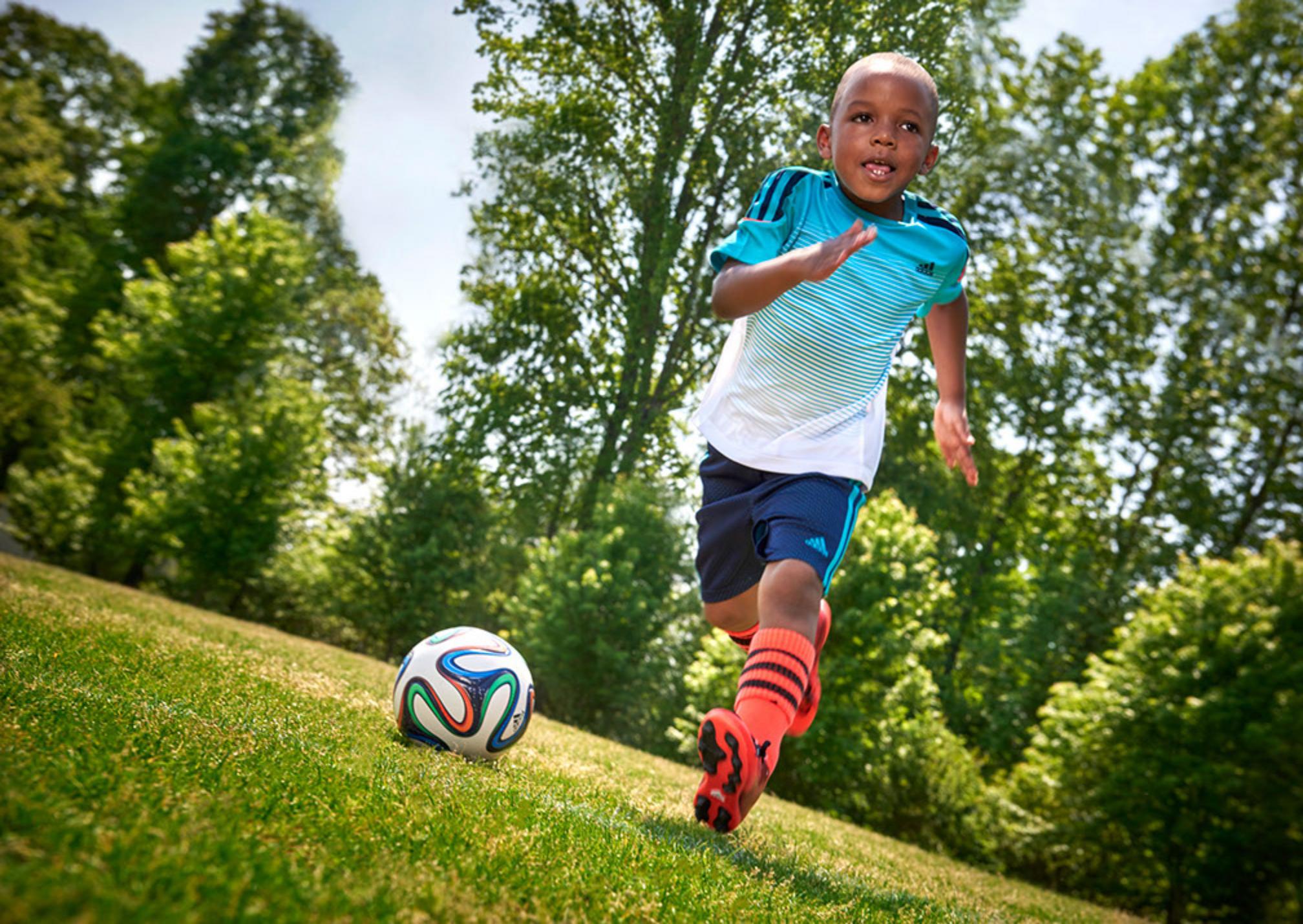 WO_Boy-Soccer Ball
