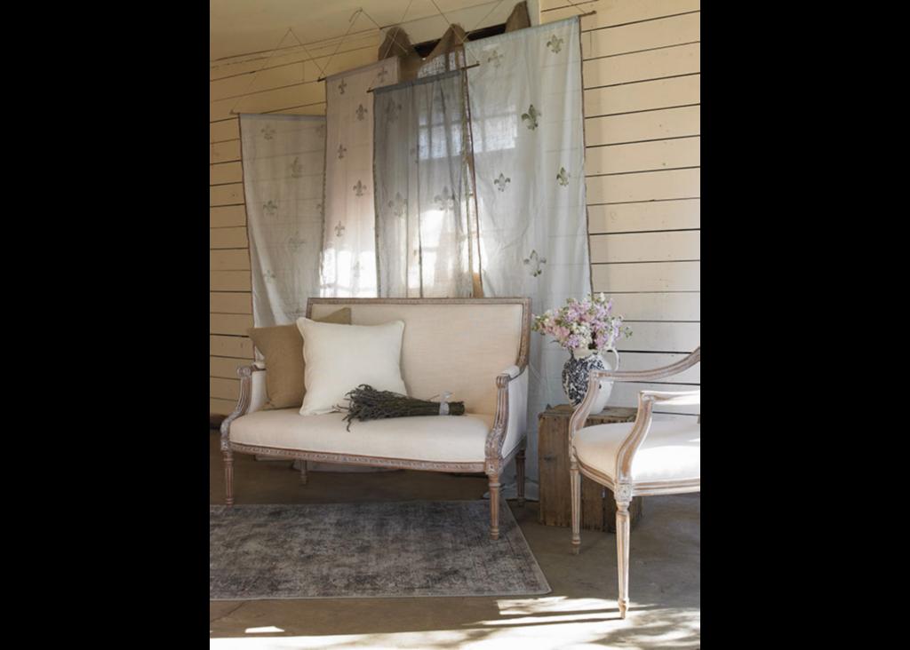 WO_Settee-Fleur Curtains_EXT