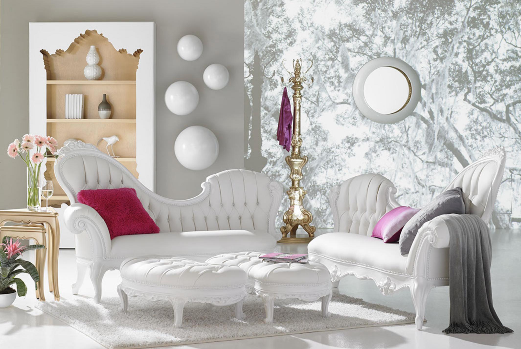 WO_White Sofas