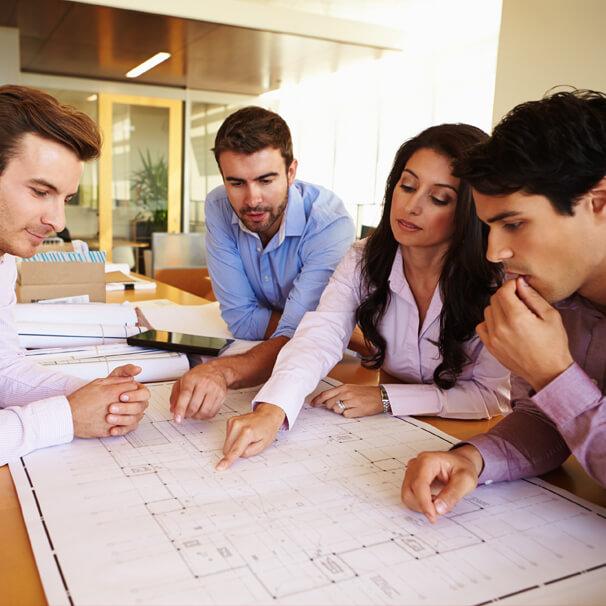 Team evaluates building floor plan