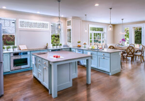 Custom Kitchen Cabinets in West Bloomfield, Farmington Hills, Livonia and Surrounding Areas