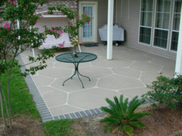 Hallmark System - Patio Random Tile with Brick Border Look