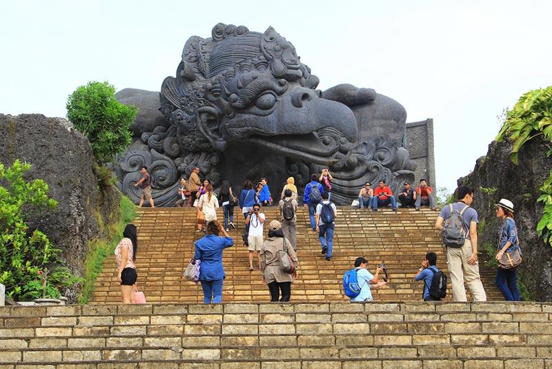 33 Million Indonesia Tourists