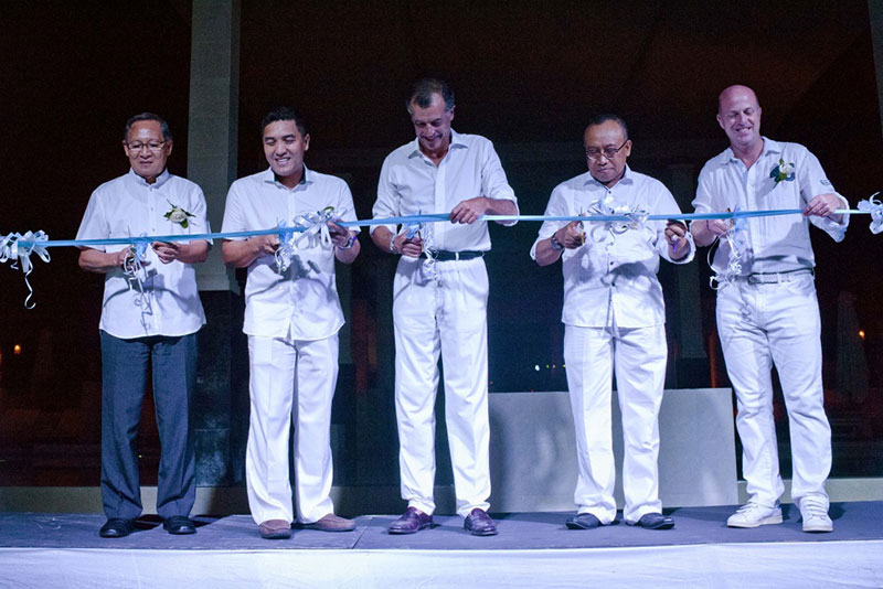 Club Med Lombok and Indonesia Tourism Development Corporation respresentatives together at ribbon cutting ceremony to innaugurate new Club Med Lombok in Kuta, Lombok