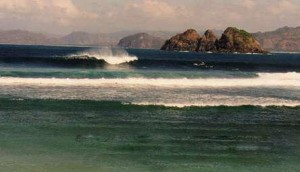 Surfing Lombok Mawi  - Typical