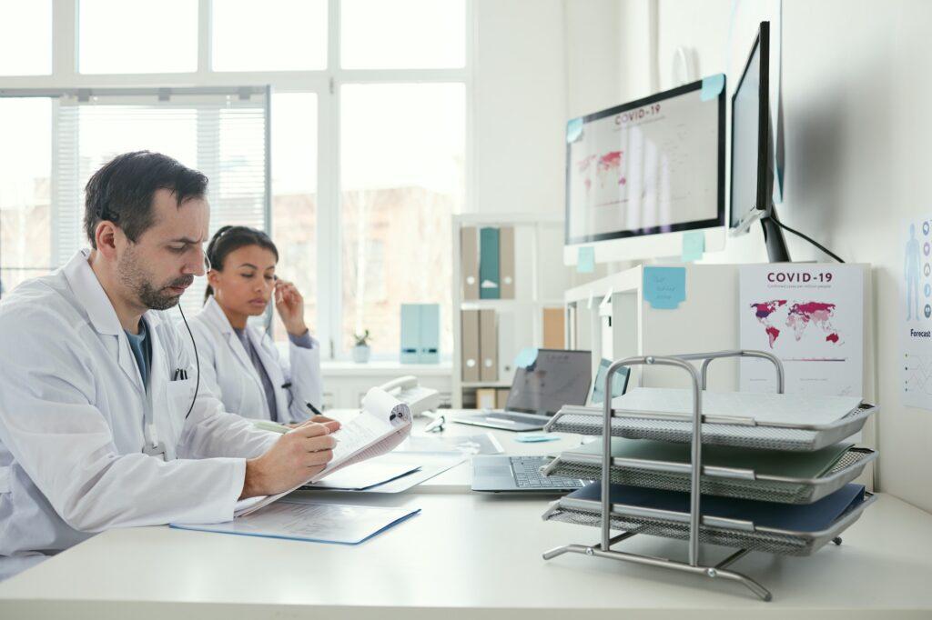 Doctors working in team