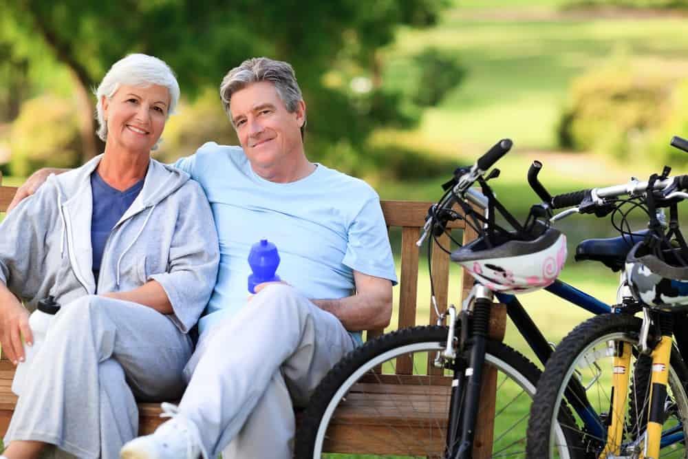 Blog - Happy couple free of pain