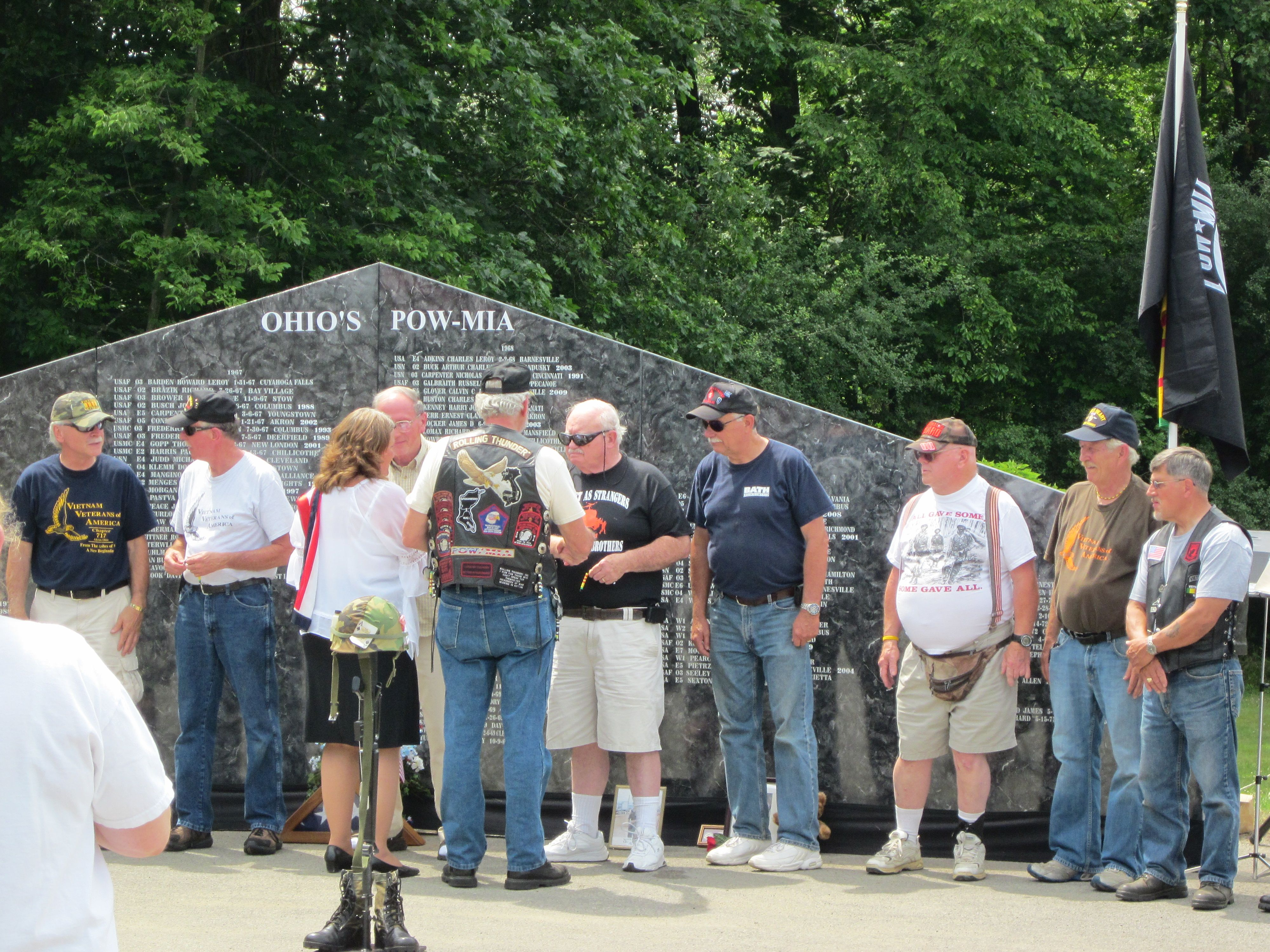 Vietnam Veterans being thanked for his service