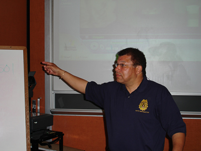 Garry Berry instructing a course