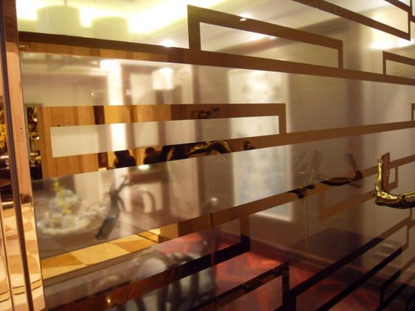 隔间玻璃镀钛金