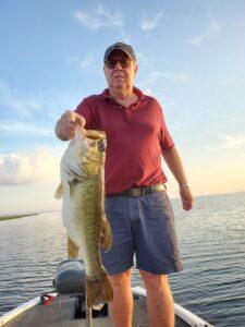 8 pound lake toho bass