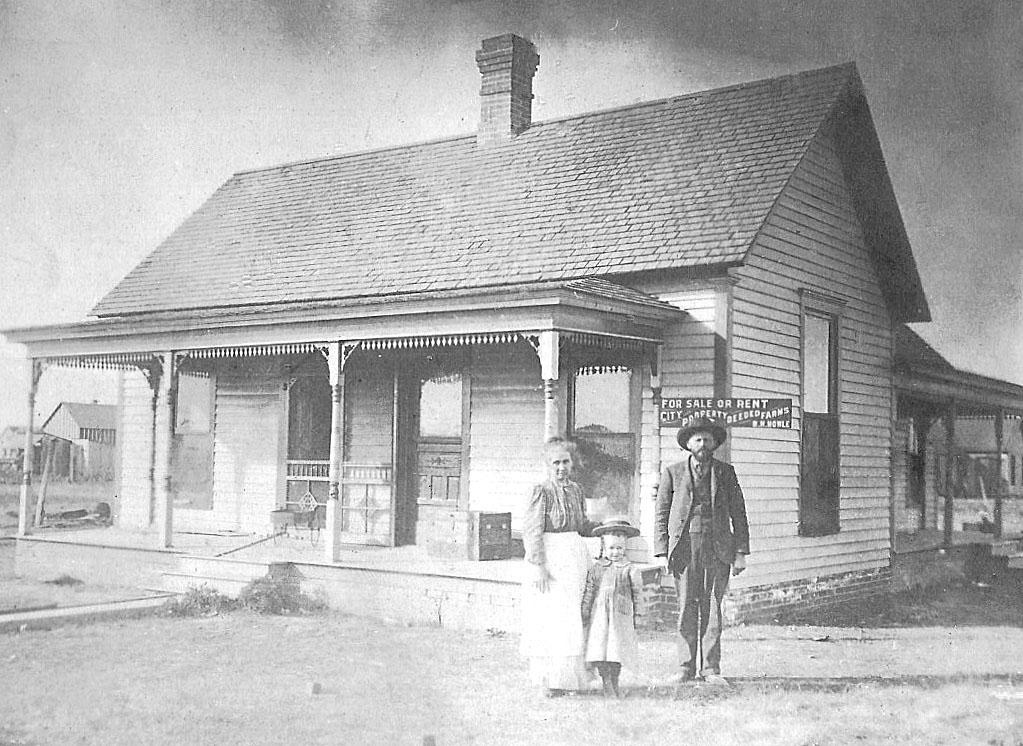 Howle Family home, circa 1906