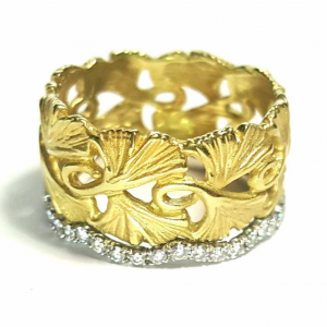 Wide Gingko Band With Wave Eternity Diamond Band