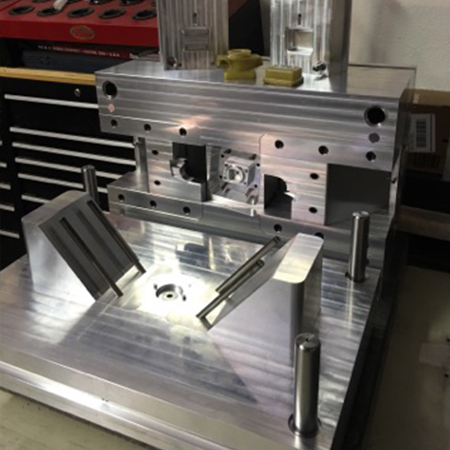 Merrix 3 part injection mold 3 small