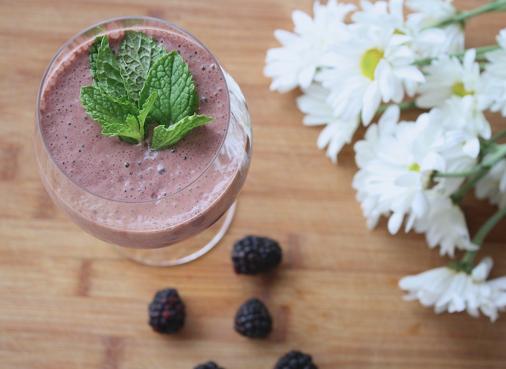RECIPE – Blueberry Matcha Smoothie