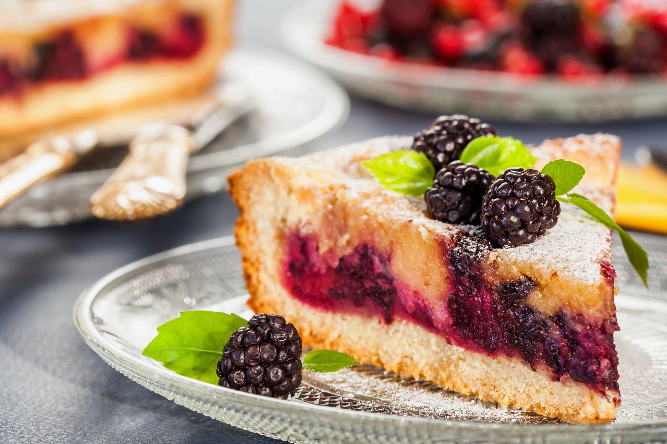 RECIPE – Cherry Pie Crumble Bars