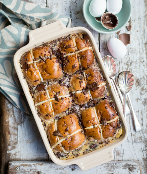 A moist and decadent hot cross bun pudding, perfect for Easter! (photograhy by Tasha Seccombe, styling by Nicola Pretorius)
