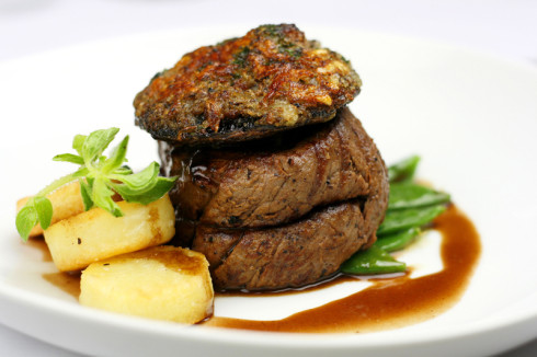 Schalk's beef fillet with stuffed mushroom and marrow and echalotte crust.
