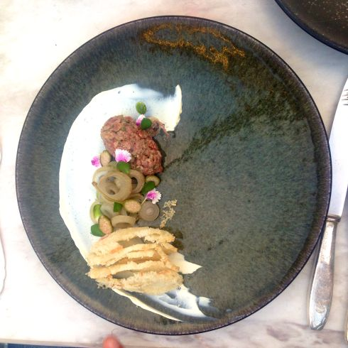 Steak tartare, onions, horseradish - served with Sutherland Pinot Noir 2014