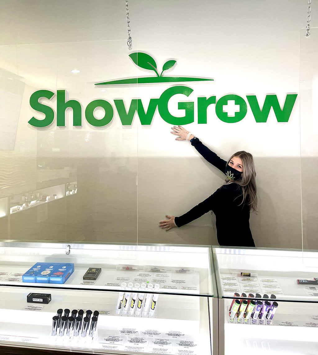 budtender-to-showgrow-sign