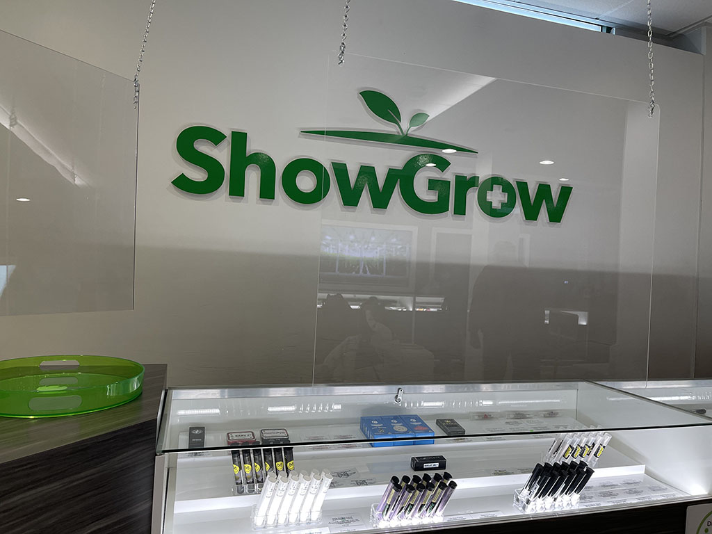 showgrow-on-the-wall