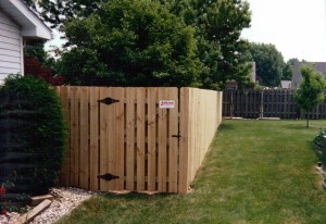 gate-shadowbox privacy fence