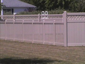 tan vinyl fence - Copy
