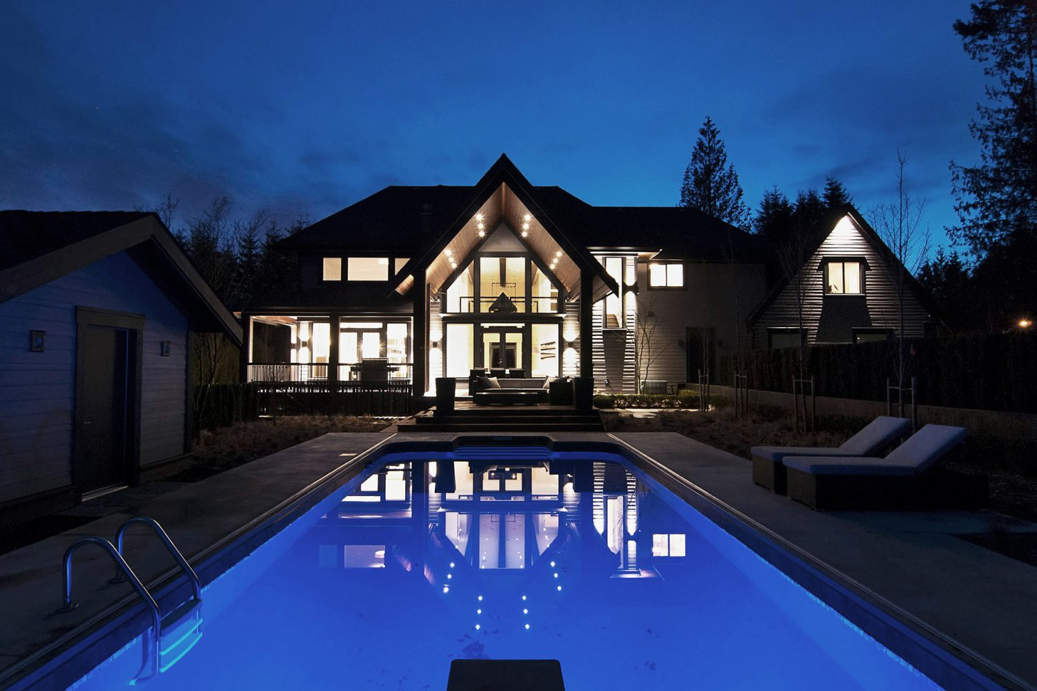 Forest exterior back and pool designed by Midland Premium Properties in Vancouver, BC
