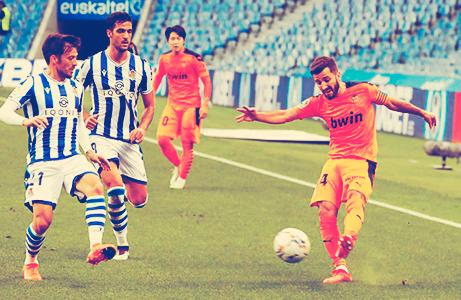 Valencia sorprende a la Real Sociedad 1 a 0