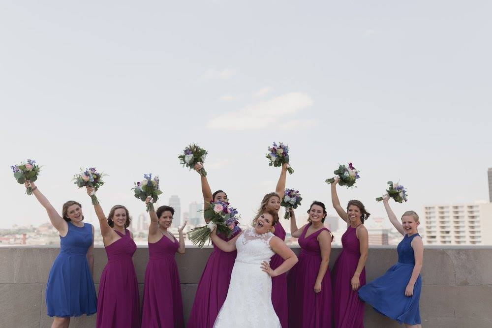 Bridesmaid pics in Kansas City