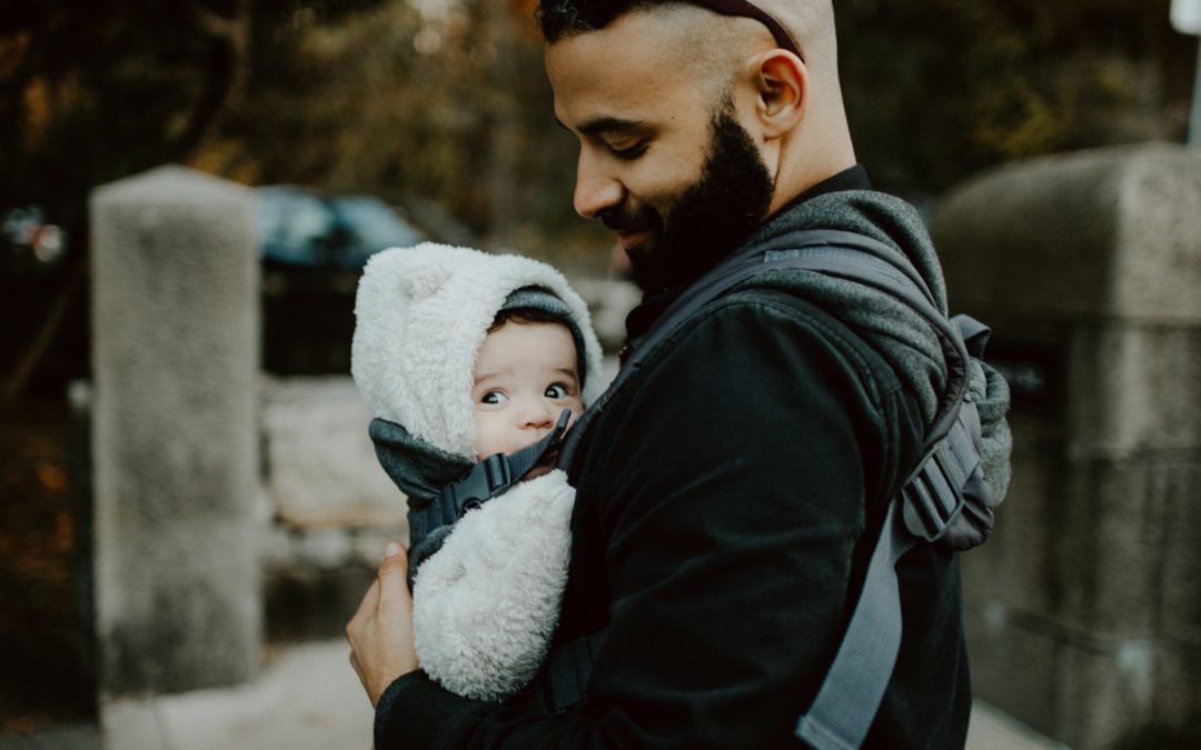 Reasons and Benefits of Baby Wearing!