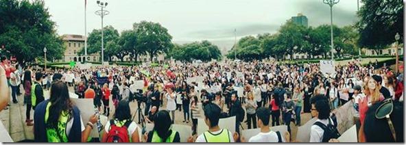 Crowd  with America Ferrera University Of Texas