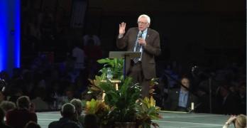 Bernie Sanders slams GOP for their amnesia in Iowa speech (VIDEO).