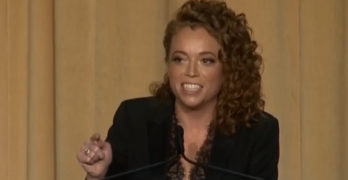 Michelle Wolf rips Sarah Huckabee Sanders at White House Correspondents' Dinner (VIDEO)