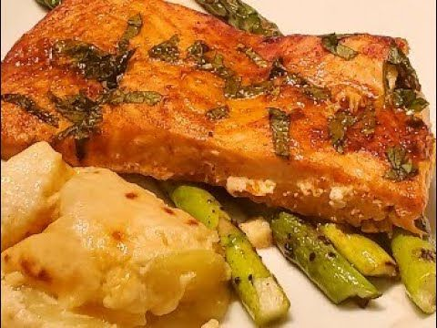 DINNER ENTREE- SALMON PICASSO