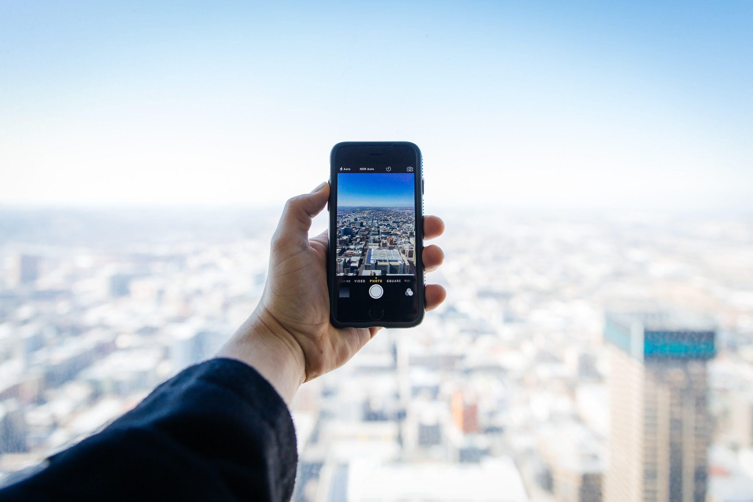 landscape-street-rooftop-iphone