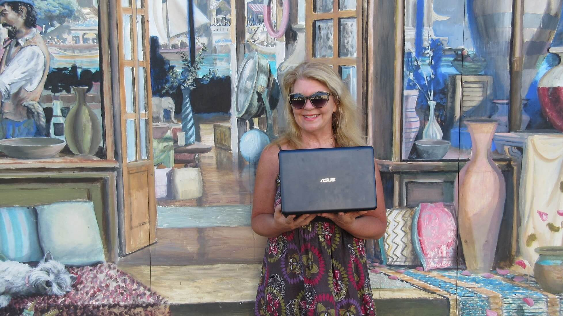 Elaine from Eccentric England - Travel Blogger