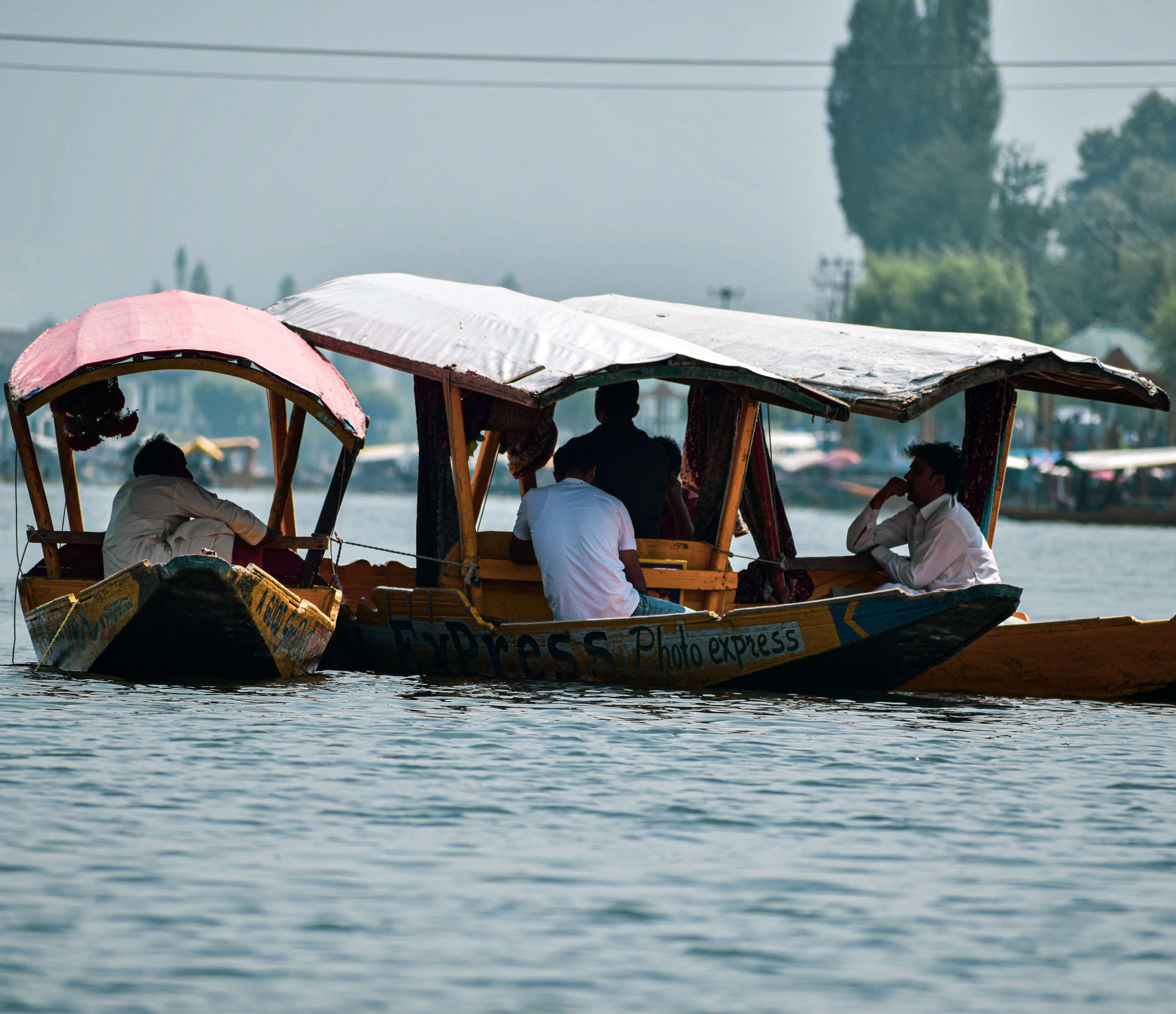 Boat ride in your Srinagar Travel Journey