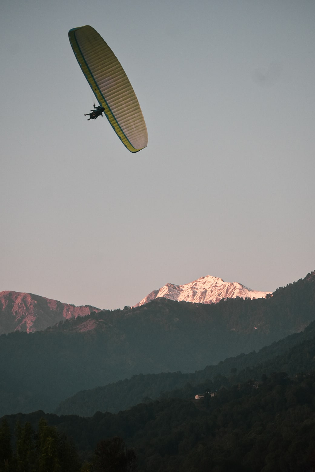 Bir Billing Paragliding in winter season