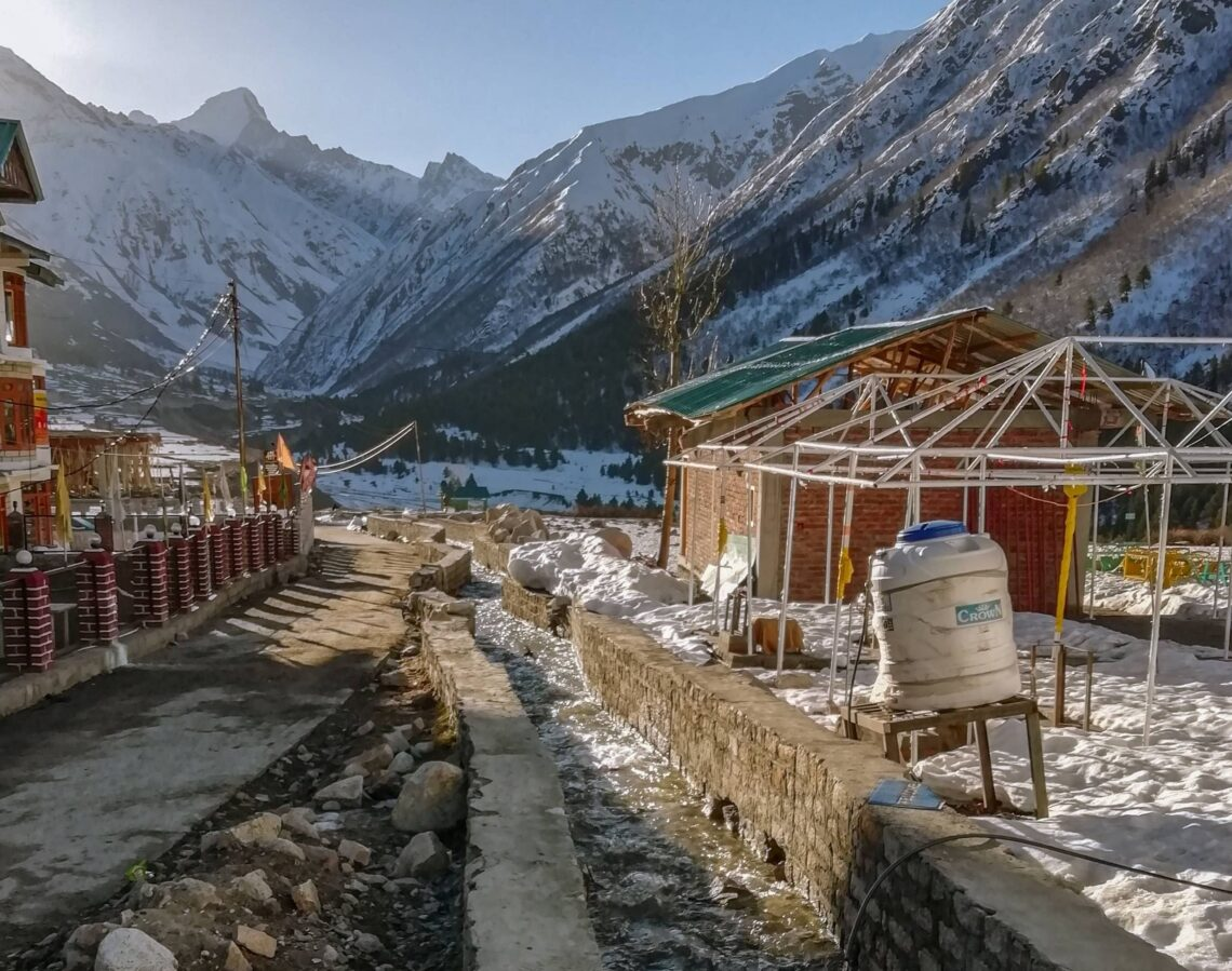 How is it like to travel to chitkul in april