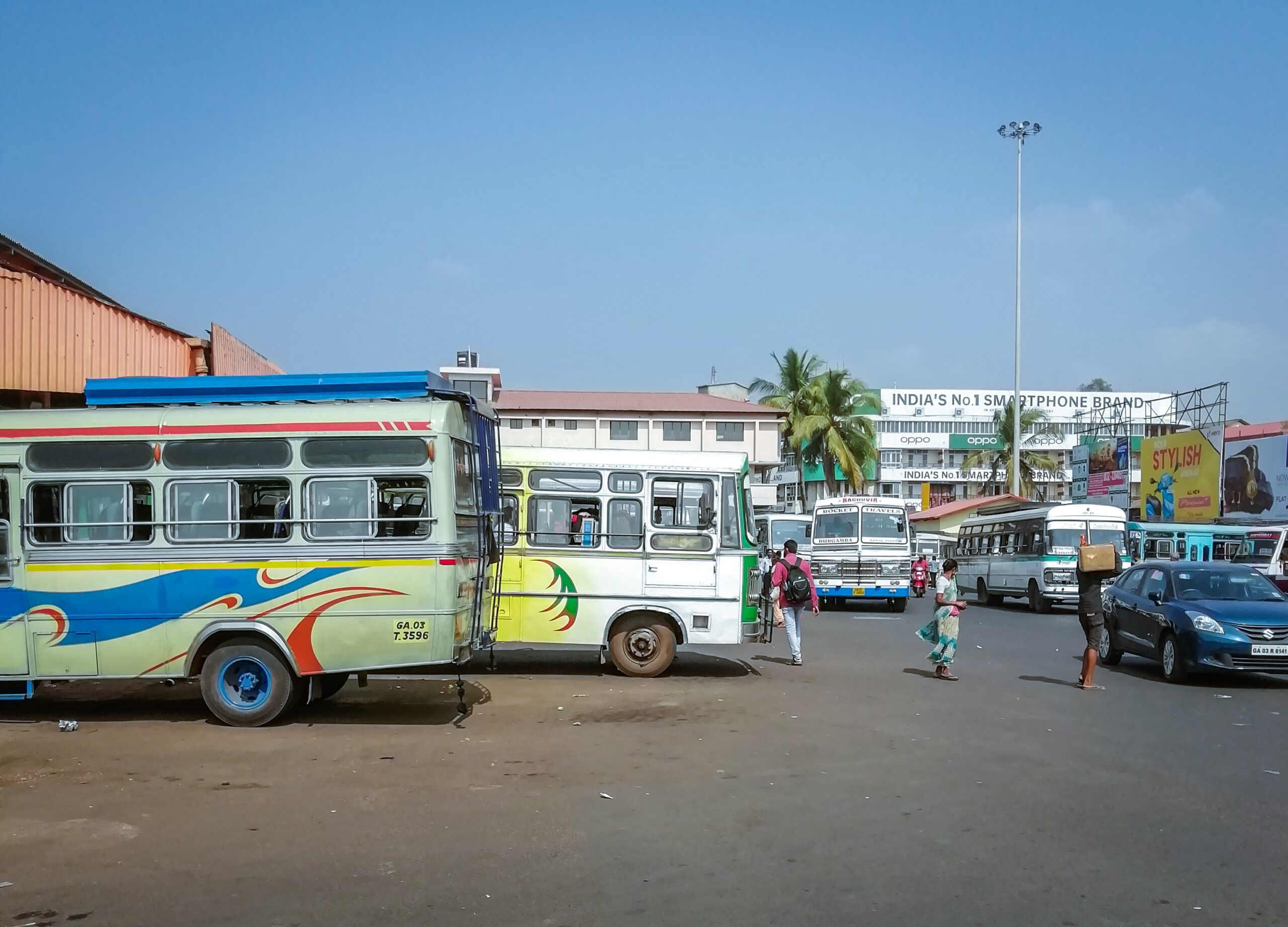 You can get Goa local Buses from Mapusa bus stand