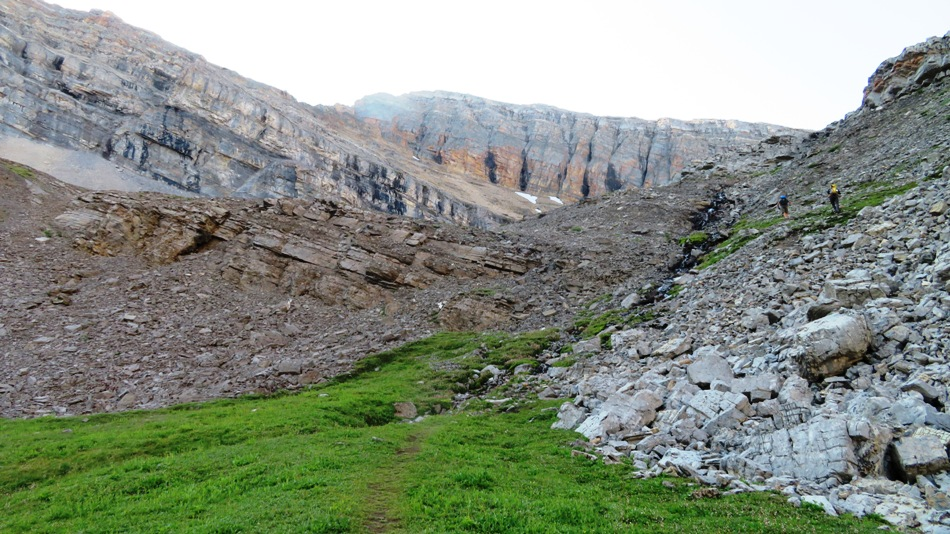 7861-view-of-the-slope-to-col-from-tarns