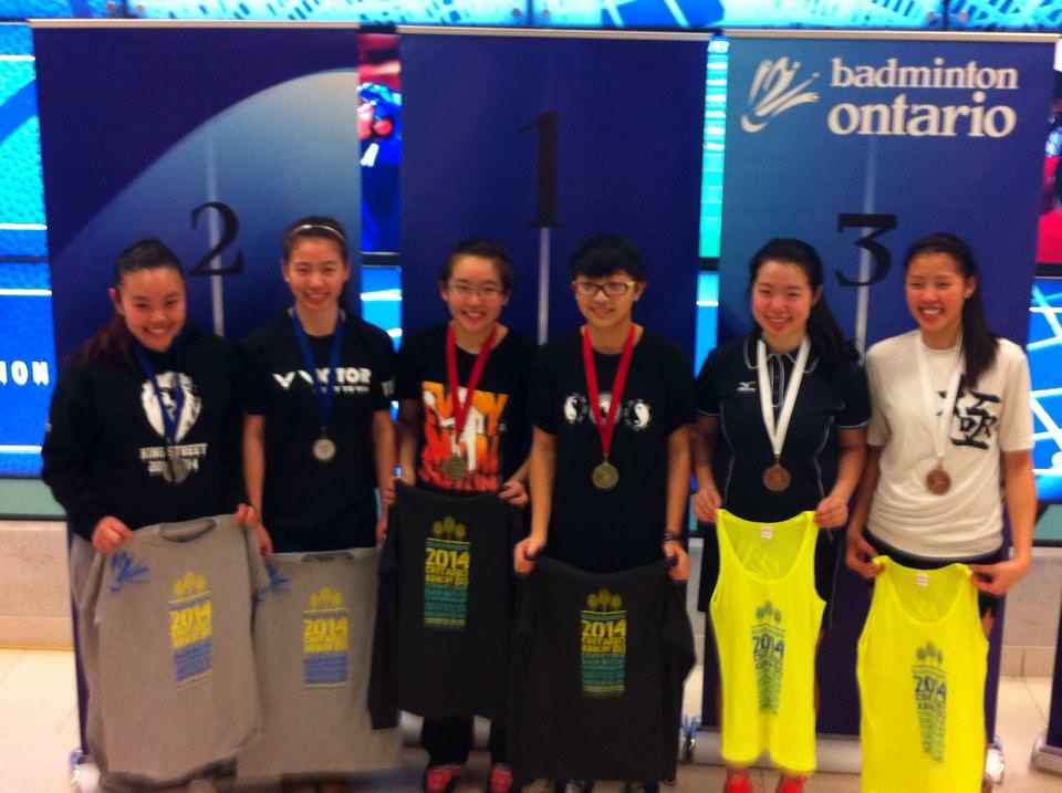 Tammy Lai ( Left 3) with her U19 GD Champion