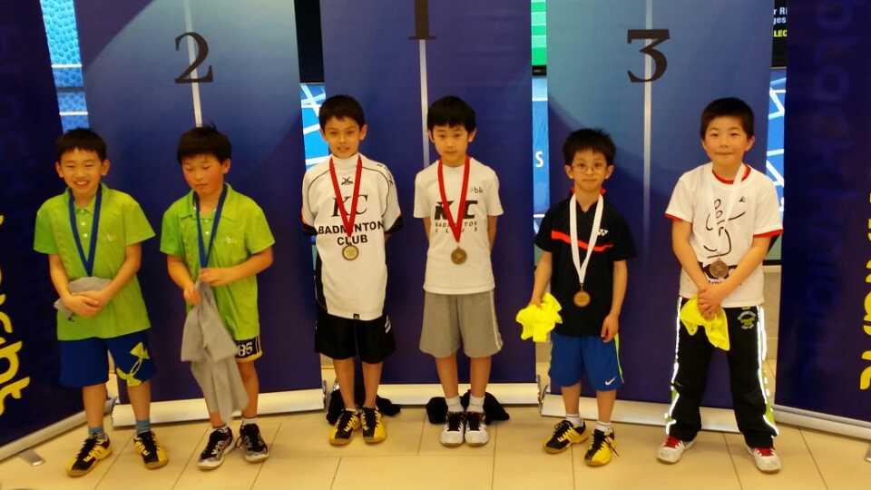 Chance Longdon ( Left 3), Justin Zhou ( Left 4), U10 BD Champion. Steven Tan ( Right 2), Daniel Li ( Right 1) U12 BD 3rd place