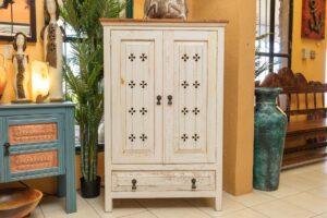 White wormwood dresser with two doors and one drawer, for sale in Cabo San Lucas