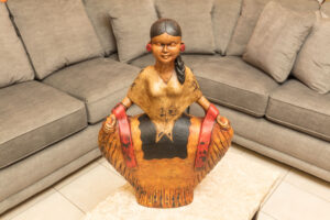 Sculpture of Mexican woman for home decoration