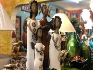 Ceramic sculptures used as home decoration