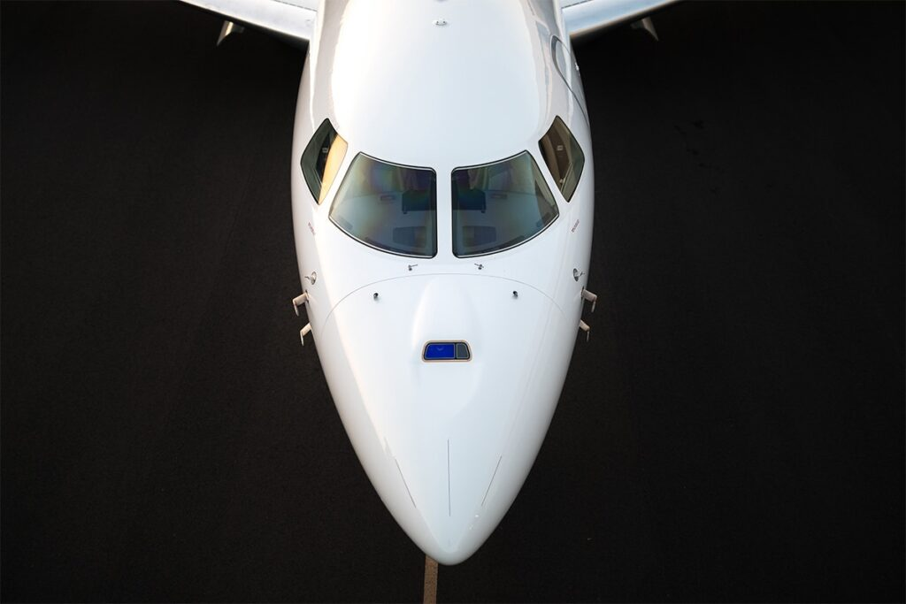 front view of dassault falcon private jet