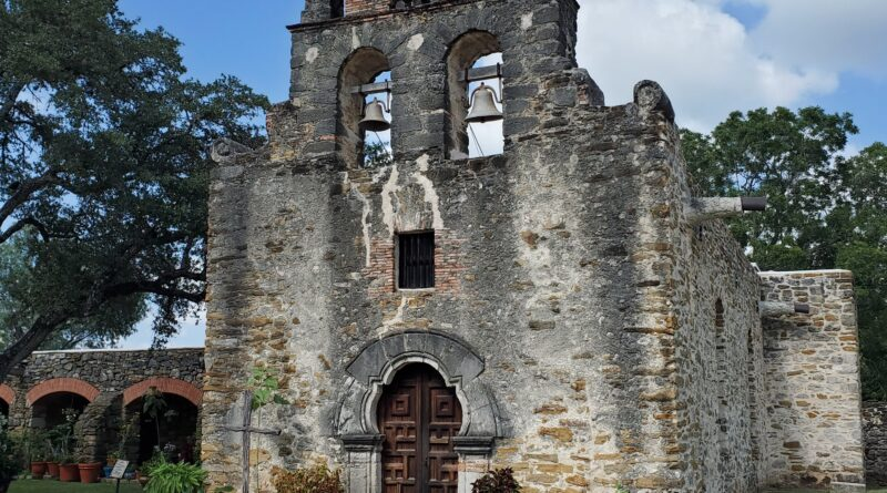 8 Haunted Places and Urban Legends on the Southside of San Antonio