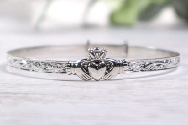 Claddagh Bangle - Maids - BCT27-SIL